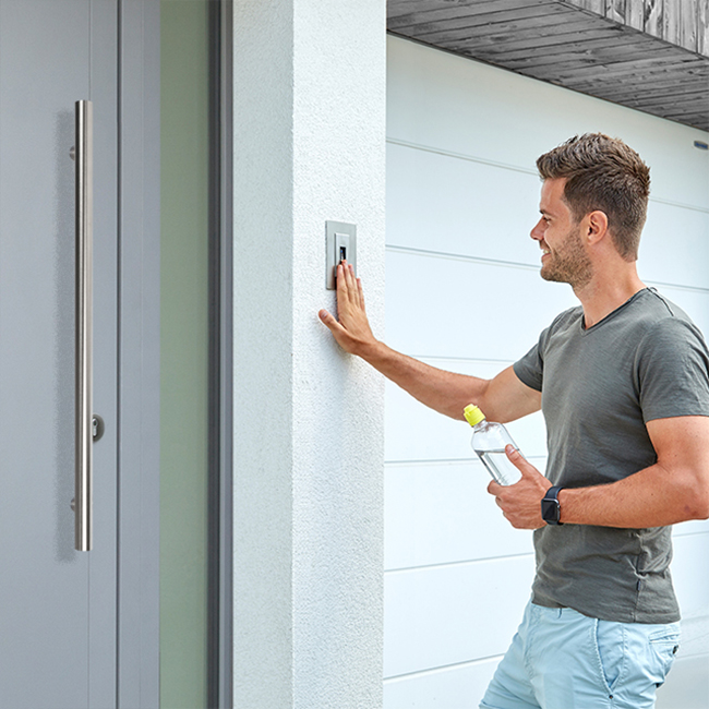 ekey chooses Fingerprints for smart door